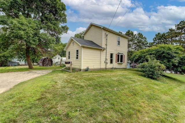 422 Ridge St, Baraboo, WI 53913 (#1919636) :: RE/MAX Shine