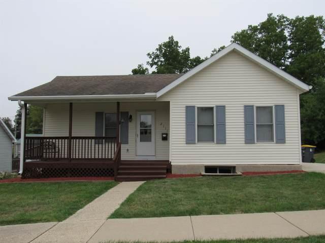 2111 15th Ave, Monroe, WI 53566 (#1919670) :: Nicole Charles & Associates, Inc.