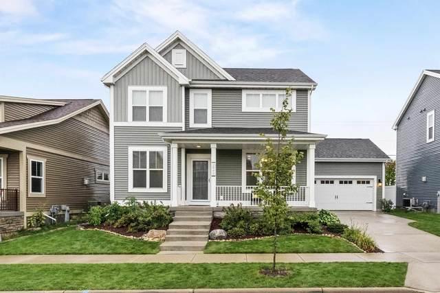 2845 No Oaks Ridge, Fitchburg, WI 53711 (#1919774) :: Nicole Charles & Associates, Inc.