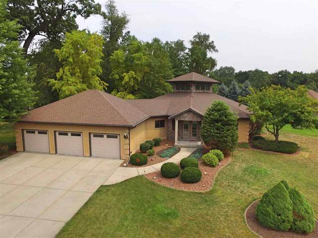 4104 N Wright Rd, Janesville, WI 53546 (#1919780) :: RE/MAX Shine