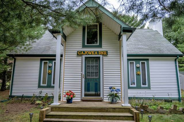 2205 Pine St, Quincy, WI 53934 (#1919877) :: Nicole Charles & Associates, Inc.