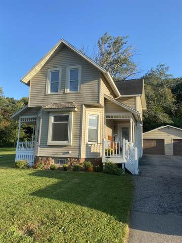 406 Hill St, Rock Springs, WI 53961 (#1919970) :: RE/MAX Shine