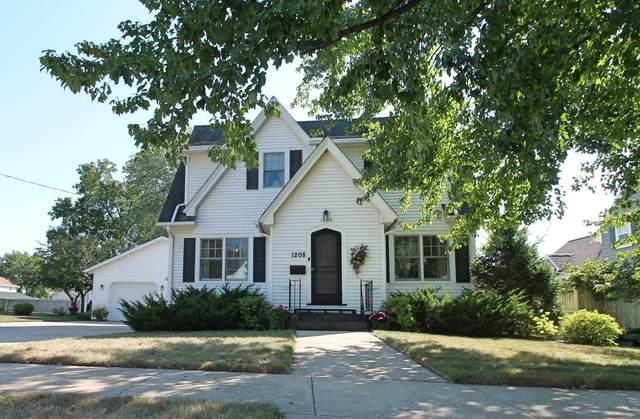 1208 Grace St, Janesville, WI 53545 (#1920027) :: Nicole Charles & Associates, Inc.