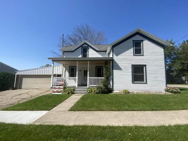 333 Pleasant St, Bloomington, WI 53804 (#1920028) :: RE/MAX Shine
