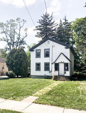 806 S 9th St, Watertown, WI 53094 (#1920192) :: RE/MAX Shine