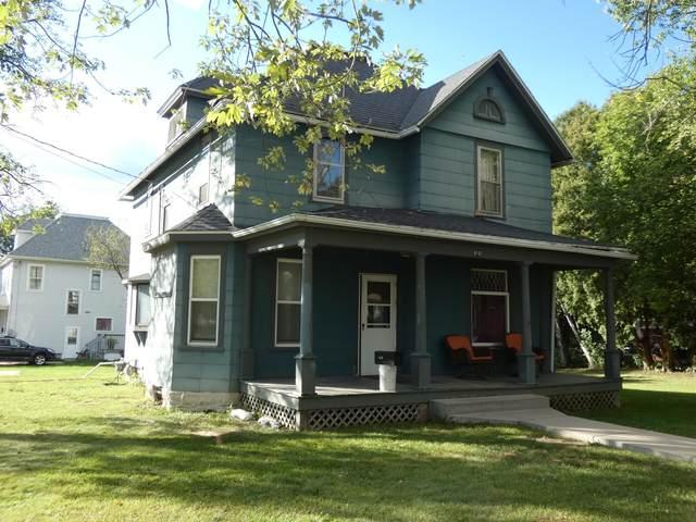 610 N 4th St, Platteville, WI 53818 (#1920379) :: RE/MAX Shine