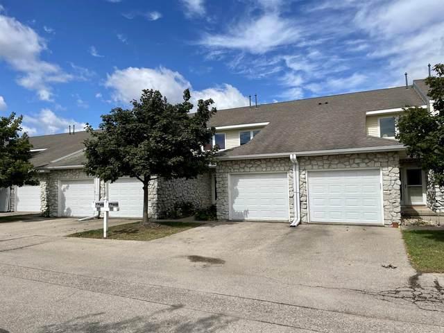4438 Gray Rd, Windsor, WI 53532 (#1920410) :: Nicole Charles & Associates, Inc.