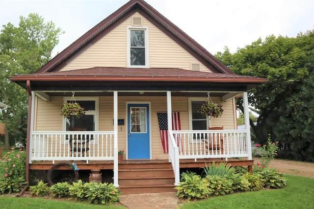 670 Jefferson St, Platteville, WI 53818 (#1920693) :: RE/MAX Shine
