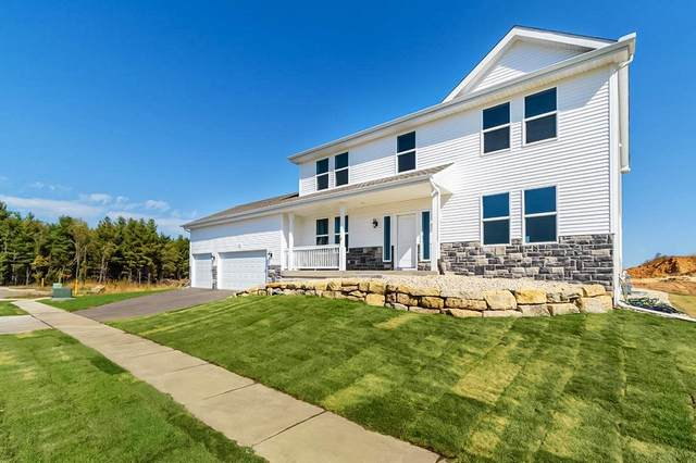 440 Bell View, Belleville, WI 53508 (#1920786) :: Nicole Charles & Associates, Inc.