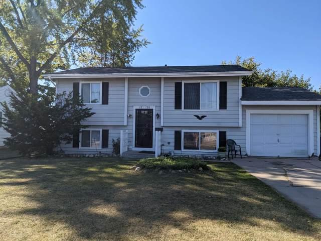 1220 S Oakhill Ave, Janesville, WI 53546 (#1920860) :: Nicole Charles & Associates, Inc.