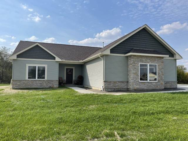 3904 Tanglewood Pl, Janesville, WI 53546 (#1921294) :: RE/MAX Shine