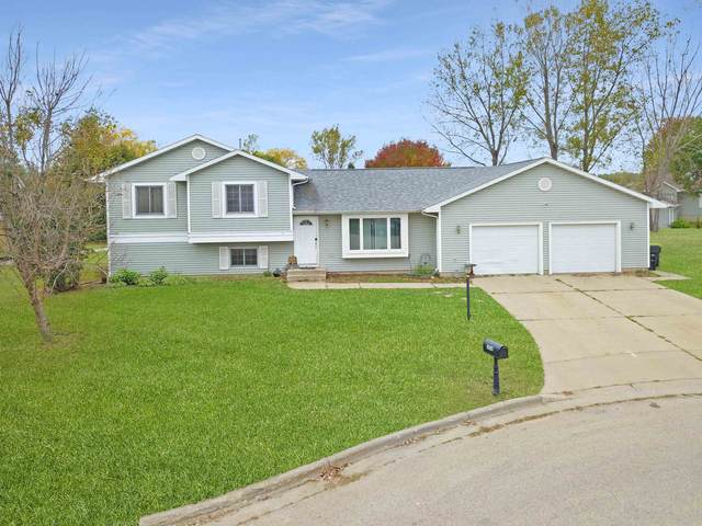 304 Hyland Ave, Tomah, WI 54660 (#1921356) :: HomeTeam4u