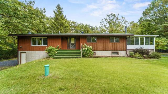 W6895 King Rd, Lowville, WI 53955 (#1921390) :: RE/MAX Shine