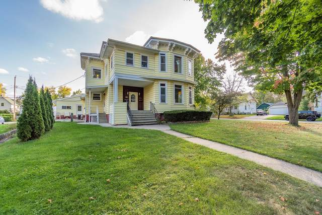 331 3rd Ave, Baraboo, WI 53913 (#1921482) :: RE/MAX Shine