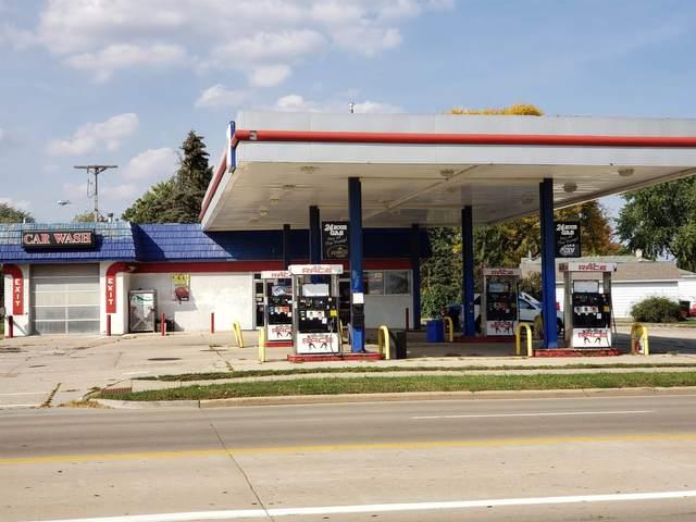 1410 W Main St, Sun Prairie, WI 53590 (#1921537) :: Nicole Charles & Associates, Inc.