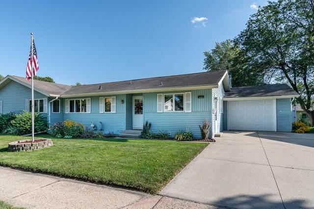 905 Vandenburg St, Sun Prairie, WI 53590 (#1921621) :: RE/MAX Shine