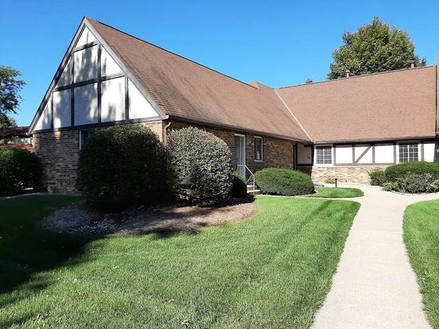 54 Golf Course Rd, Madison, WI 53704 (#1921948) :: RE/MAX Shine