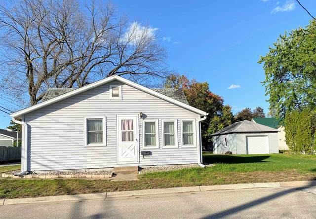 515 E Iowa St., Prairie Du Chien, WI 53821 (#1922086) :: RE/MAX Shine