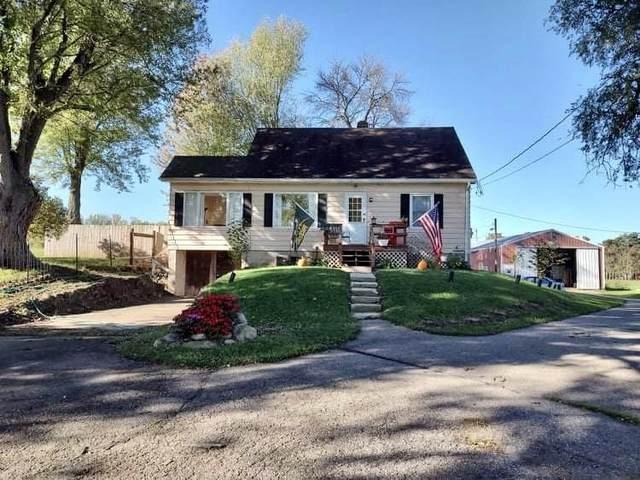 S5335 State Rd 113, Greenfield, WI 53913 (#1922091) :: HomeTeam4u