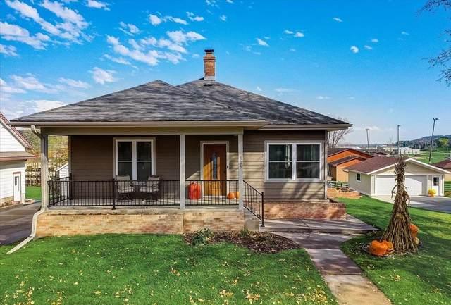 825 Park Ave, Plain, WI 53577 (#1922443) :: HomeTeam4u