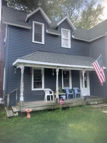 321 W Racine St, Janesville, WI 53548 (#1922446) :: Nicole Charles & Associates, Inc.