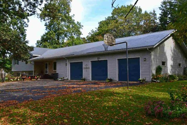 N2810 Park Rd, Green Lake, WI 53946 (#351809) :: Nicole Charles & Associates, Inc.