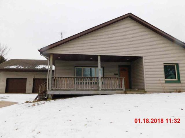 725 Dayton St, Mayville, WI 53050 (#352911) :: HomeTeam4u