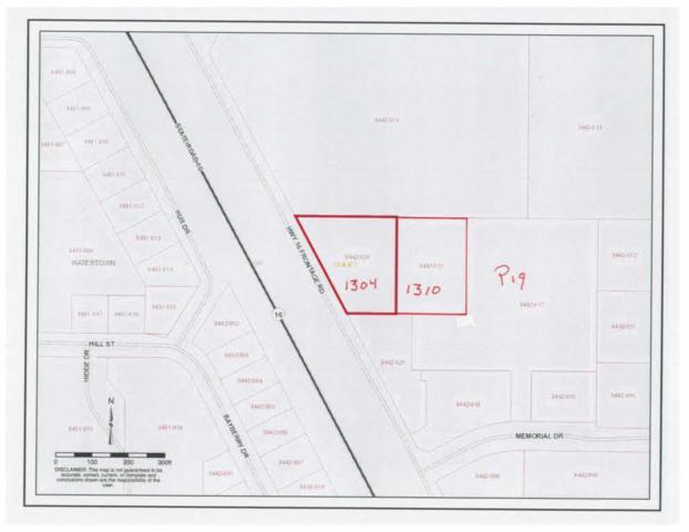 1304 Memorial Dr, Watertown, WI 53098 (#352945) :: Nicole Charles & Associates, Inc.
