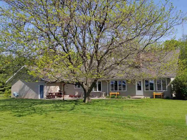 W1507 Sandstone Ave, Green Lake, WI 54971 (#354539) :: Nicole Charles & Associates, Inc.
