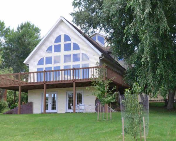 N4311 Lakewood Cir, Green Lake, WI 53946 (#356151) :: Nicole Charles & Associates, Inc.