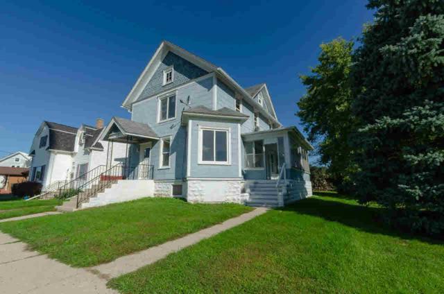 401 W Green St, Fox Lake, WI 53933 (#356394) :: Nicole Charles & Associates, Inc.