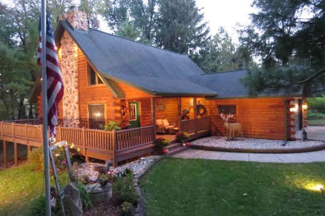 W2655 Rock River Paradise, Watertown, WI 53094 (#356858) :: Nicole Charles & Associates, Inc.