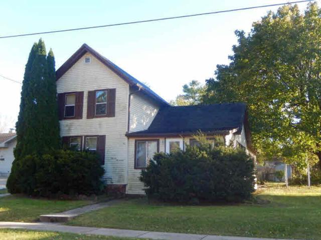 1117 Grand Ave, Janesville, WI 53546 (#356912) :: Nicole Charles & Associates, Inc.