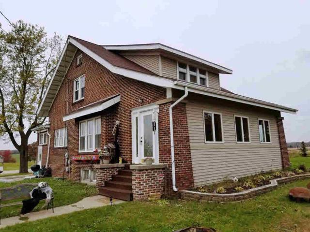 1135 N Main St, Fort Atkinson, WI 53538 (#356964) :: Nicole Charles & Associates, Inc.