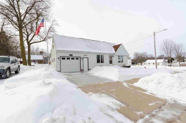 303 W Hamilton St, Fox Lake, WI 53933 (#358713) :: Nicole Charles & Associates, Inc.