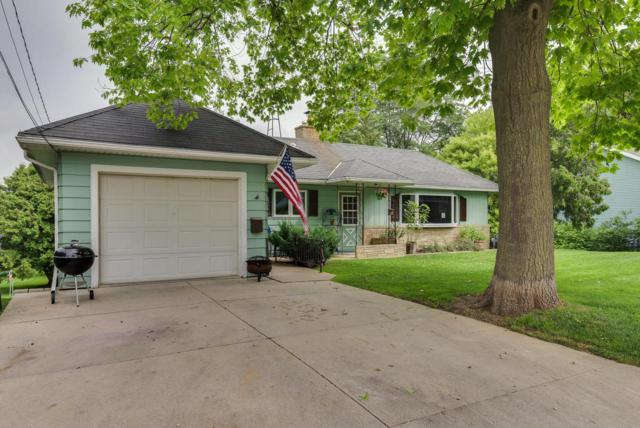 210 W Walnut St, Horicon, WI 53032 (#361676) :: HomeTeam4u