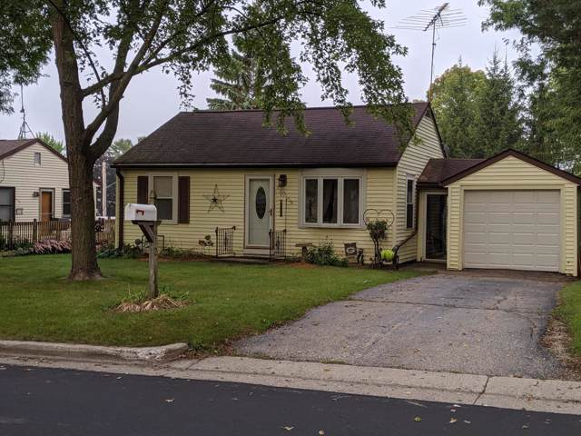 612 Highland Ave, Watertown, WI 53098 (#364381) :: Nicole Charles & Associates, Inc.
