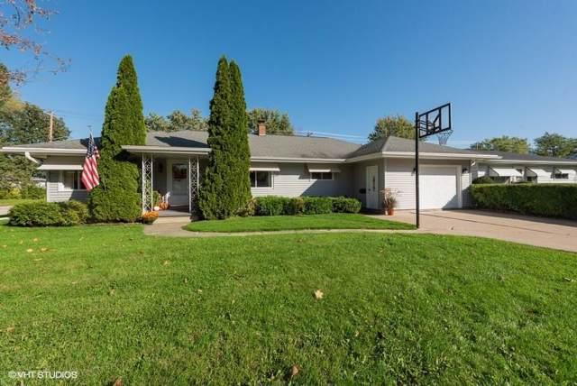 288 Wisconsin St, Mayville, WI 53050 (#364725) :: HomeTeam4u