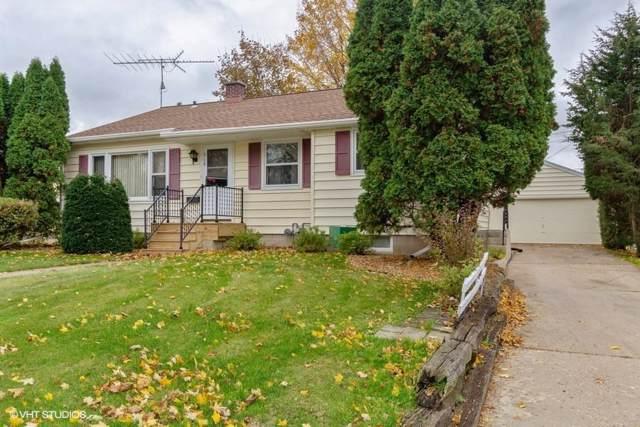 919 Dayton St, Mayville, WI 53050 (#364990) :: HomeTeam4u