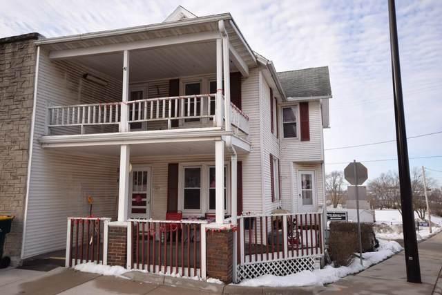 101 S Main St, Iron Ridge, WI 53035 (#366275) :: HomeTeam4u