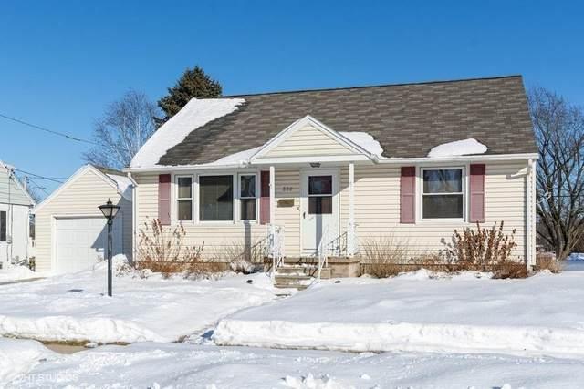 330 Grand Blvd, Mayville, WI 53050 (#366585) :: Nicole Charles & Associates, Inc.