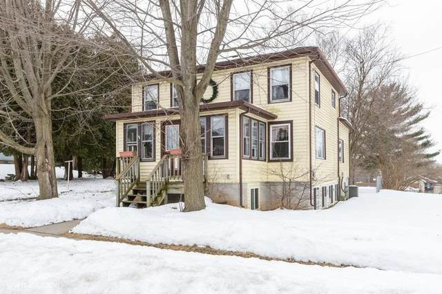 210 Valley St, Horicon, WI 53032 (#366664) :: HomeTeam4u