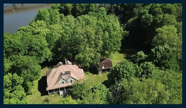 N5097 N Watertown Ave, Aztalan, WI 53549 (#368863) :: Nicole Charles & Associates, Inc.