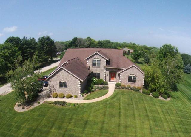 N1525 Cummings Dr, Koshkonong, WI 53538 (#369423) :: Nicole Charles & Associates, Inc.