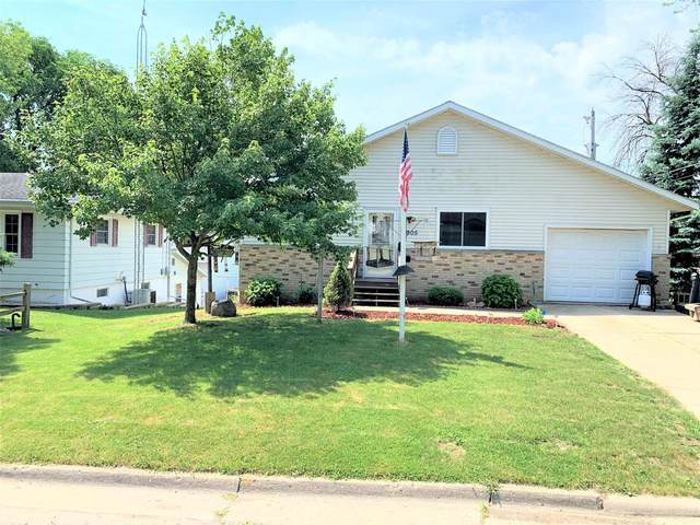 905 Caswell St, Fort Atkinson, WI 53538 (#369507) :: Nicole Charles & Associates, Inc.