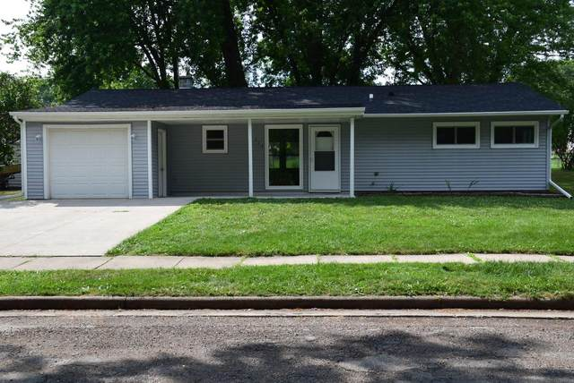 214 Garfield Ave, Reeseville, WI 53579 (#369700) :: Nicole Charles & Associates, Inc.