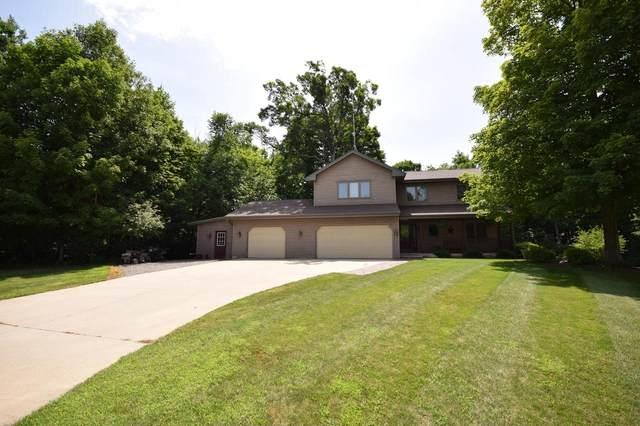 W2360 Timber Ridge Ct, Auburn, WI 53010 (#369948) :: Nicole Charles & Associates, Inc.