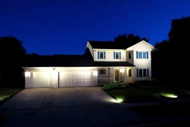 817 Briar Ct, Watertown, WI 53094 (#370768) :: Nicole Charles & Associates, Inc.