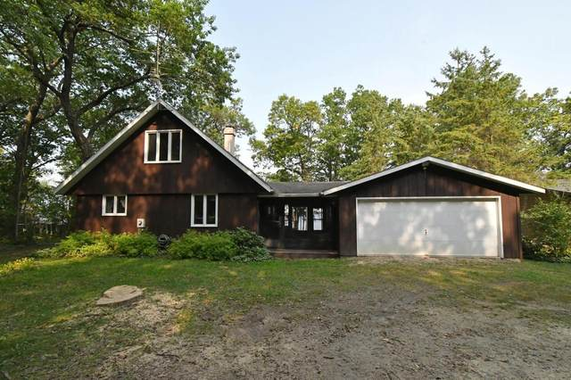 W6242 Lakeview N Dr, Marquette, WI 53947 (#371476) :: HomeTeam4u
