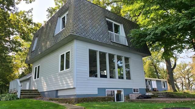 W10198 Indian Point Rd, Fox Lake, WI 53933 (#371493) :: HomeTeam4u